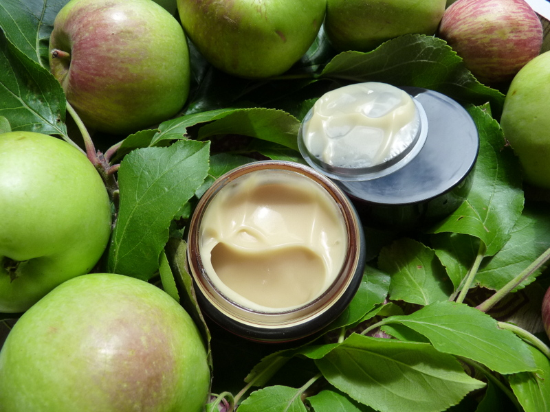 phenome krem z ekstraktem z jabłek