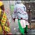 एक ऐसा स्कूल ,जहा स्कूल का भवन तो है पर जर्जर अवस्था में है ,बच्चो एवं शिक्षकों को शौचालय और पिने के पानी के लिए पड़ोस के घर में जाना पड़ता है