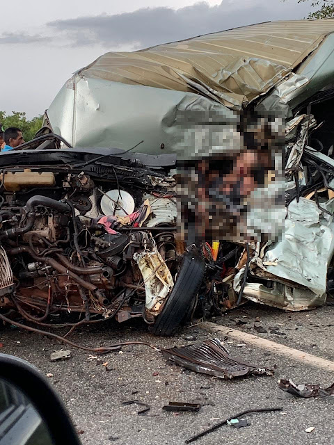 Tragédia: Colisão  entre caminhão e uma van  na BR 402 deixa várias pessoas mortas