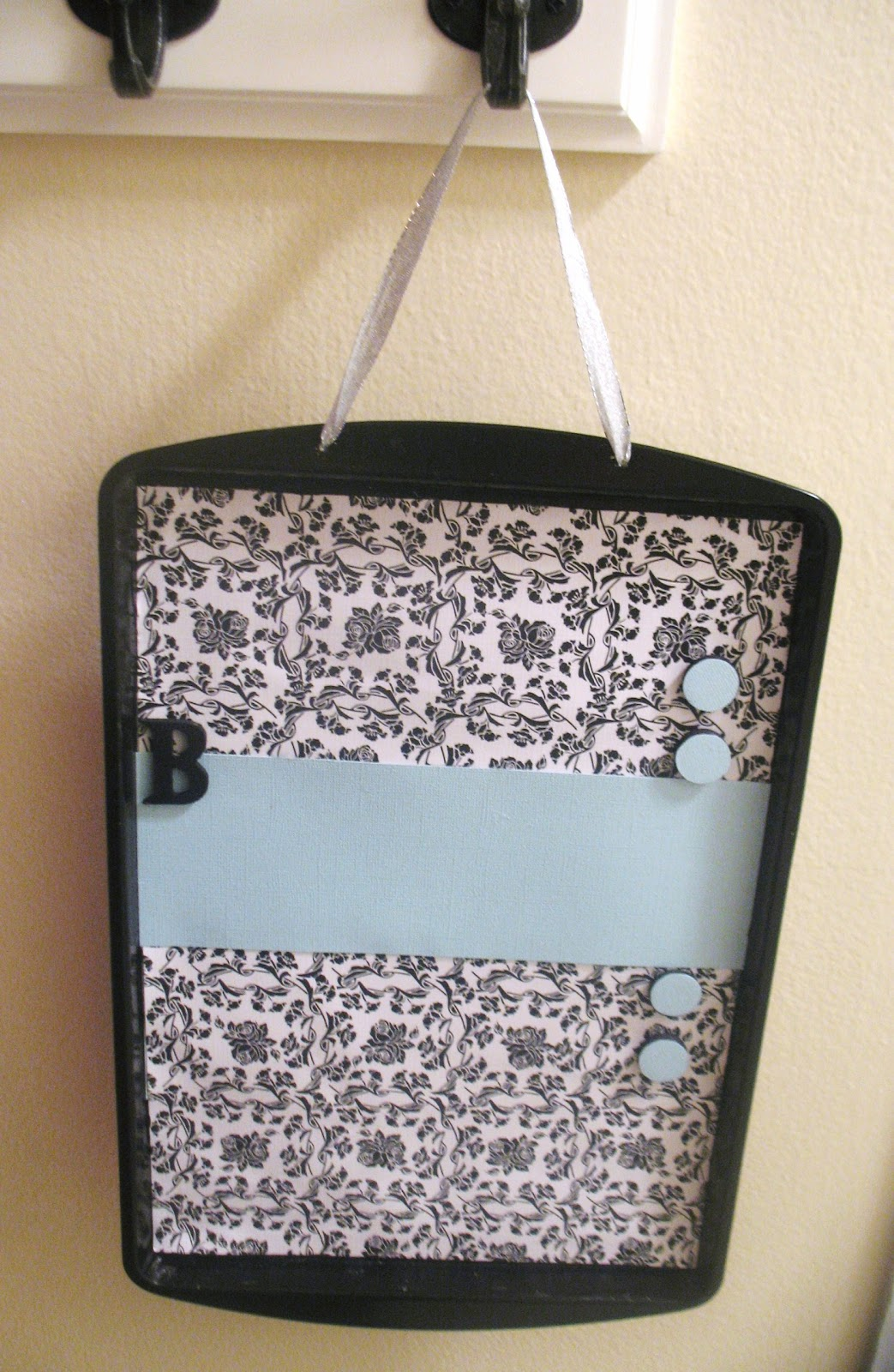 Diy Projects Cookie Sheet Magnet Board