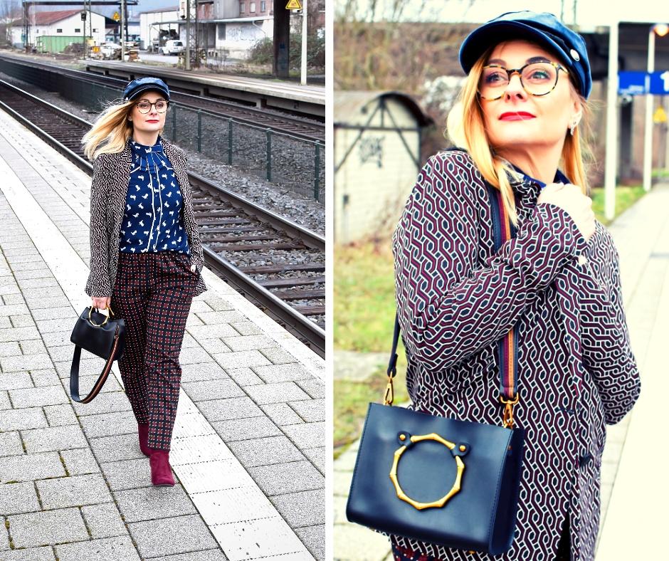 Business Look für Frauen. Dunkelblau und Bordeaux