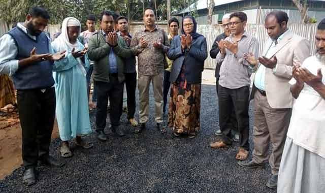 বকশীগঞ্জ পৌরসভার উদ্যোগে রাস্তার পাকাকরণ কাজের উদ্বোধন