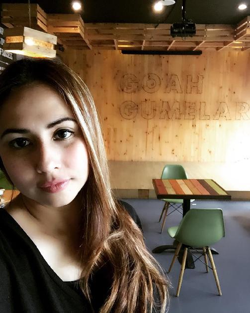 foto tanpa sensor Deswita Maharani
