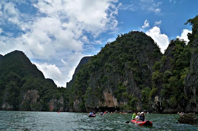 Pemandangan Indah di Phuket, Tidak Heran Wisatawan Menyukai Pulau Yang Pernah Dihantam Tsunami ini