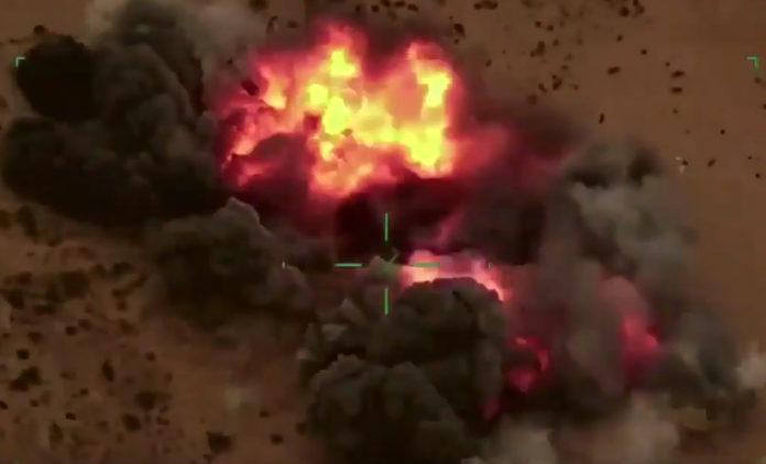 Αιγυπτιακά F-16 τινάζουν στον αέρα θέσεις Τούρκων μισθοφόρων στη Λιβύη (Βίντεο)