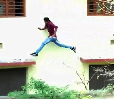 A viral video is again highlighting the cheating menace in Bihar exams.  The footage shot at a Chapra school shows a man elegantly leaping from ledge to ledge of a tall building.  Before you can compliment him for his athletic ability, you may need to be informed that he was allegedly indulging in the impressive feat to help someone cheat at the exam for the 10t standard, which is underway.