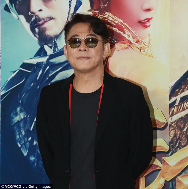Jet Li's manager reacts to photo, insists actor is 'completely fine'.