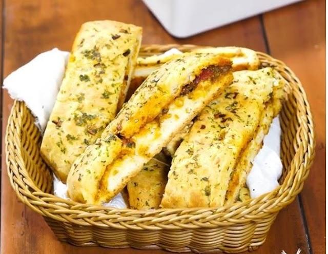 Achari Garlic Bread Recipe