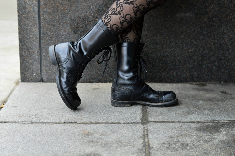 how to style the corocan military boot for women