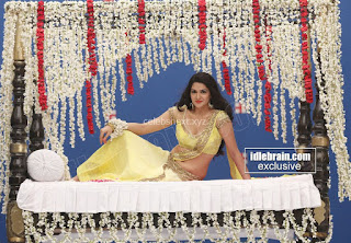 Sakshi Chodary in Yellow Transparent Sareei Choli Spicy Pics 18 .xyz.jpg