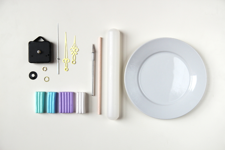 SUPPLIES NEEDED TO MAKE DIY MARBLED POLYMER CLAY CLOCK.
