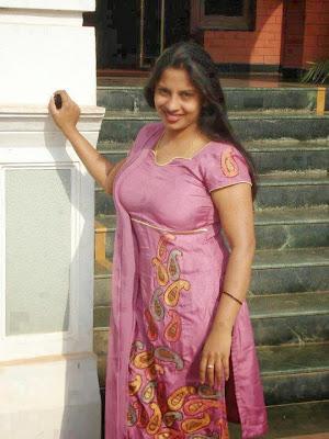 Aunty Pundai Tamil Girls