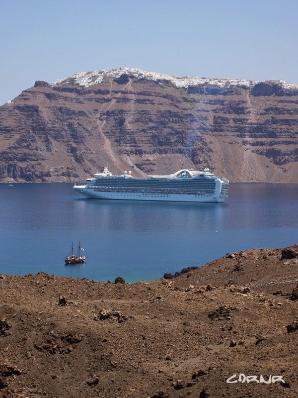 Santorini, excursie la vulcan