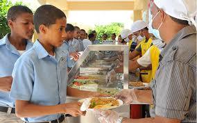 Comienzan a suspender almuerzo escolar por supuesto atraso pago a suplidores