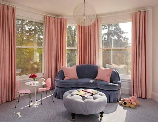 Ruang Tamu Dengan Warna Peach Kalem Yang Menenangkan