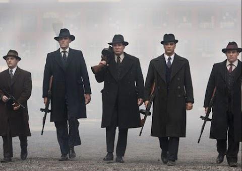 A maffia klánok közti leszámolások ellen tüntettek Nápoly lakosai