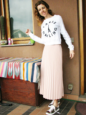 https://s-fashion-avenue.blogspot.it/2017/05/ootd-muted-pink-midi-skirt.html