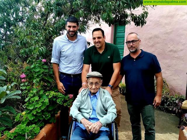 Otro vecino breñusco alcanza la centuria: D. Manuel Eleuterio nació en el 'año de tea de Breña Alta', 1918