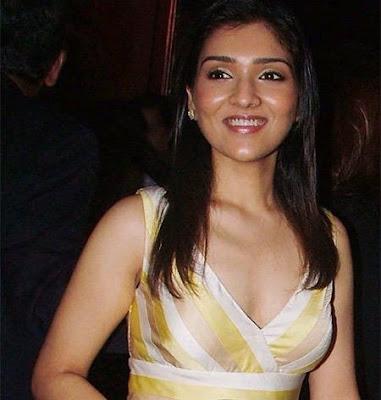 Tina Ahuja