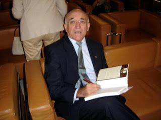 El General Bataller, autor del artículo de la Revista EJÉRCITO (Foto de Internet)