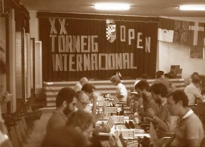 Aspecto parcial de la sala de juego del XX Torneo Internacional de Berga 1986