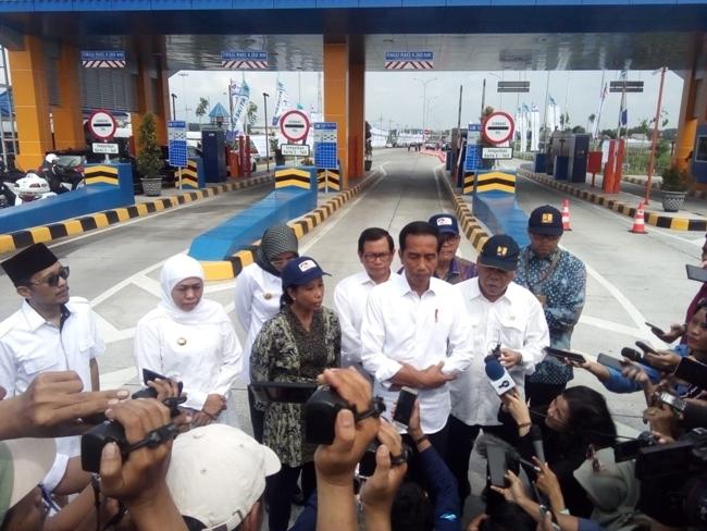 Resmikan Tol Paspro, Jokowi : Lebih Cepat Mobilitas Karena Cawang-Probolinggo Tembus 840Km