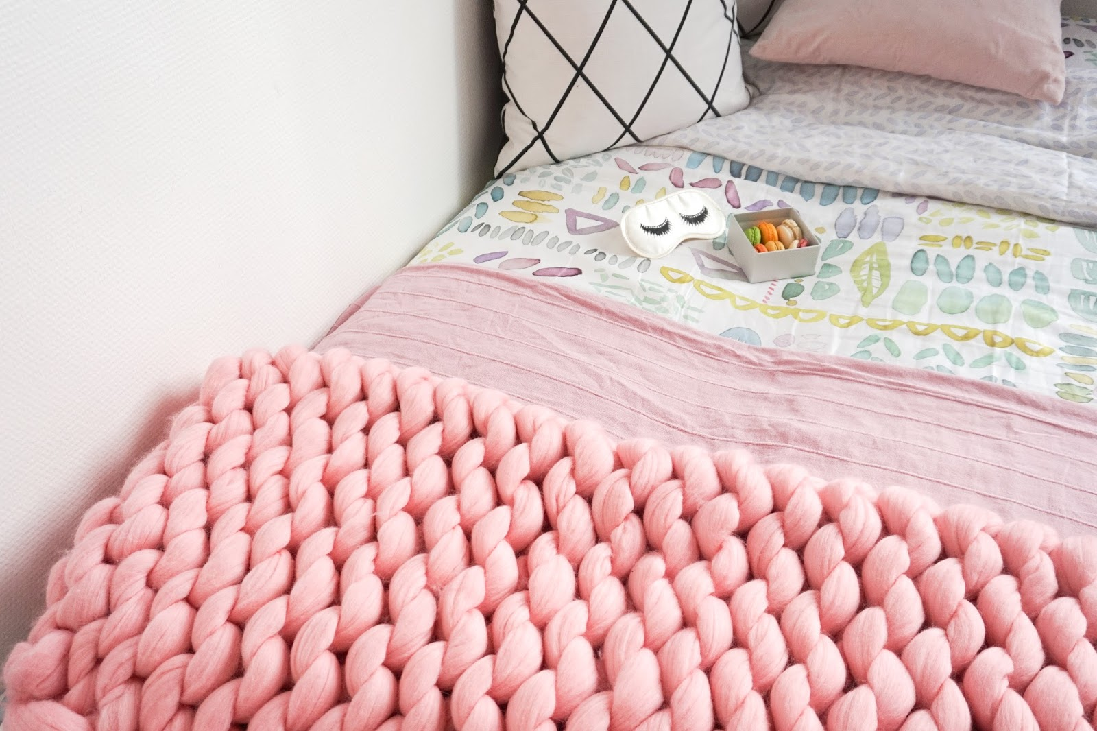 interior, blogger, knitted blankets, cosy, cute, decoration