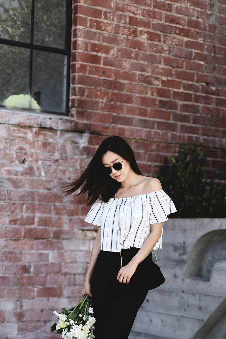 OFF THE SHOULDER FASHION