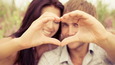 5 Tanda Pasangan Nyaman dengan Anda