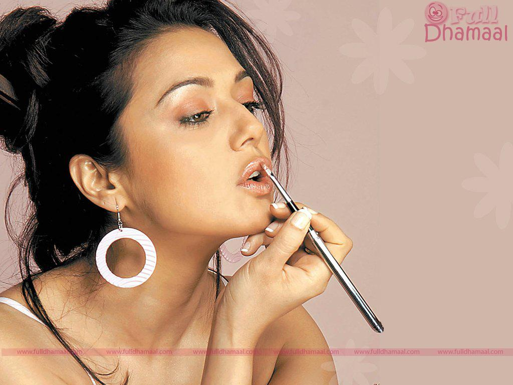 Preity Zinta Hot Pics Preity Zinta Wallpapers-4130