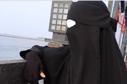 Berangkat Umroh, Indadari Juga akan ke Palestina