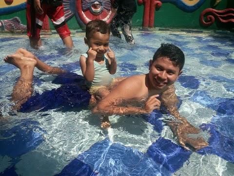 Berenang di Eldorado Waterpark Cibubur