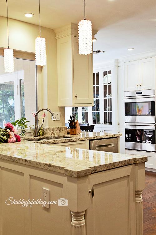 white-shaker-cabinet-granite-counter