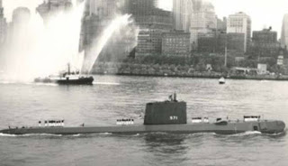 Kapal Selam Nuklir Pertama Dunia