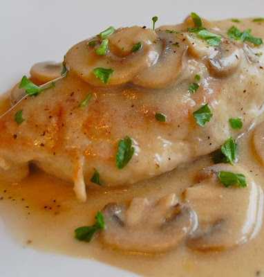 oven baked chicken with mushroom sauce