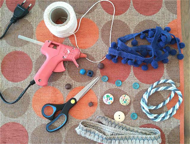DIY: πως να ανανεώσεις τα παλιά δερμάτινα σανδάλια σου