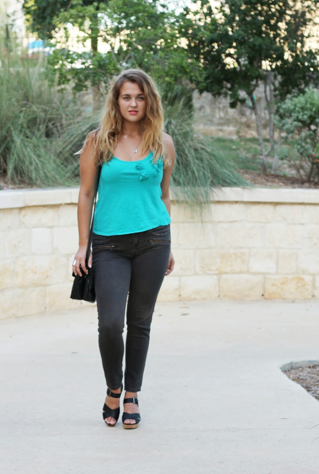 light blue top and skinny jeans