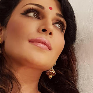 Asha saini (Flora) hot, hot pics, movies, bikini, facebook, age, wiki, biography