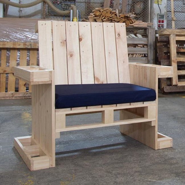 50+ DIY Pallet Chairs Ideas That Can Improve Your New Home