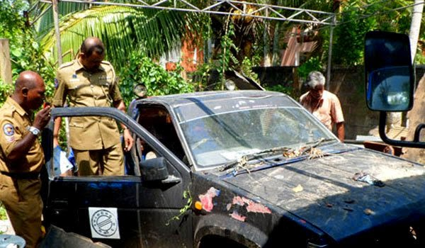 Amunugama's taxi blessing to Anarkali found in pieces