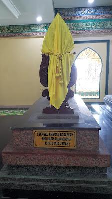 Makam Tengku Embong Badariah