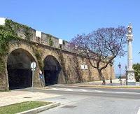 Castillos y baluartes de Cádiz, Murallas de San Carlos