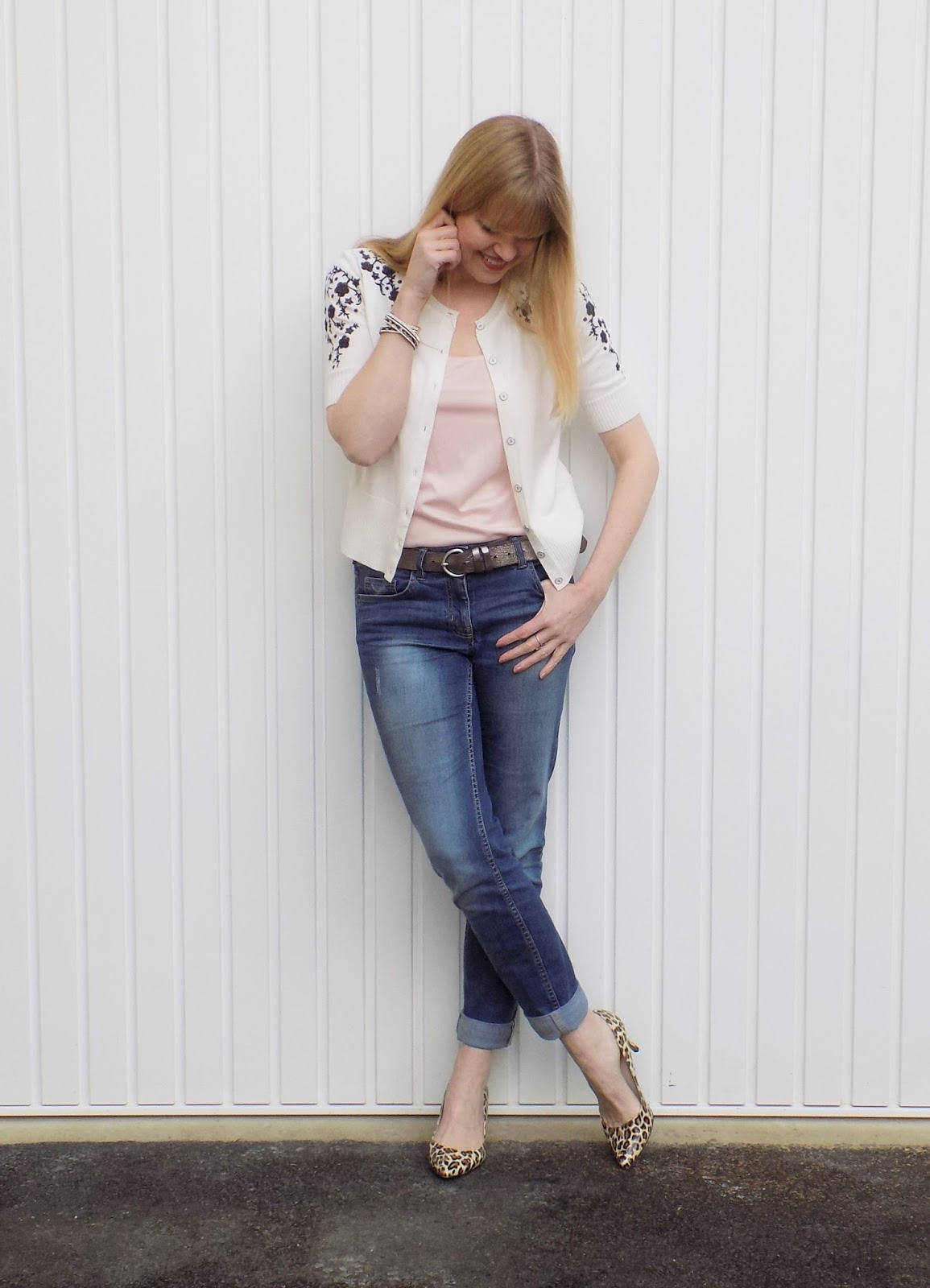 Embroidered cropped cardigan, boyfriend jeans and leopard print shoes