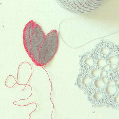 ByHaafner, crochet, doily, pastel blue, embroidery, leaves, pink