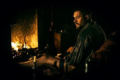 O thriller criado e protagonizado por Tom Hardy e produzido por Ridley Scott fará parte da programação exclusiva do FOX Premium - Divulgação