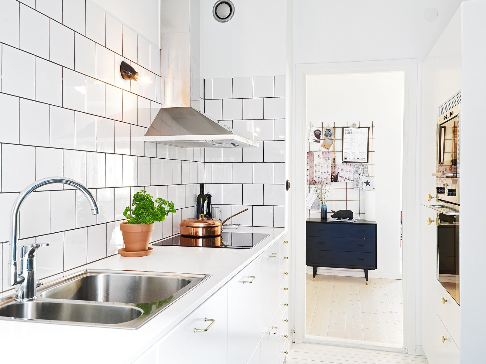 12 Ways To Decorate A Rented Property - And Make It Your Own! - Oh ...