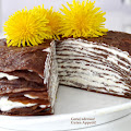 Czekoladowy tort naleśnikowy