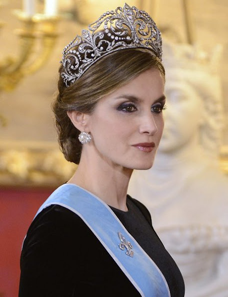 New tiara, Queen Victoria Eugenia of Spain that she had received as a gift of marriage by King Alfonso XIII in 1906.