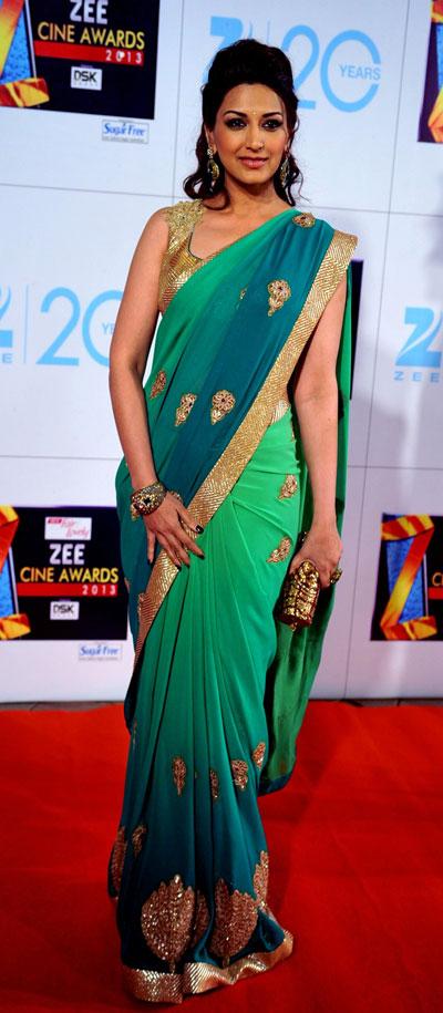 Sonali bendre looks gorgeous in saree ~ Marathi Show