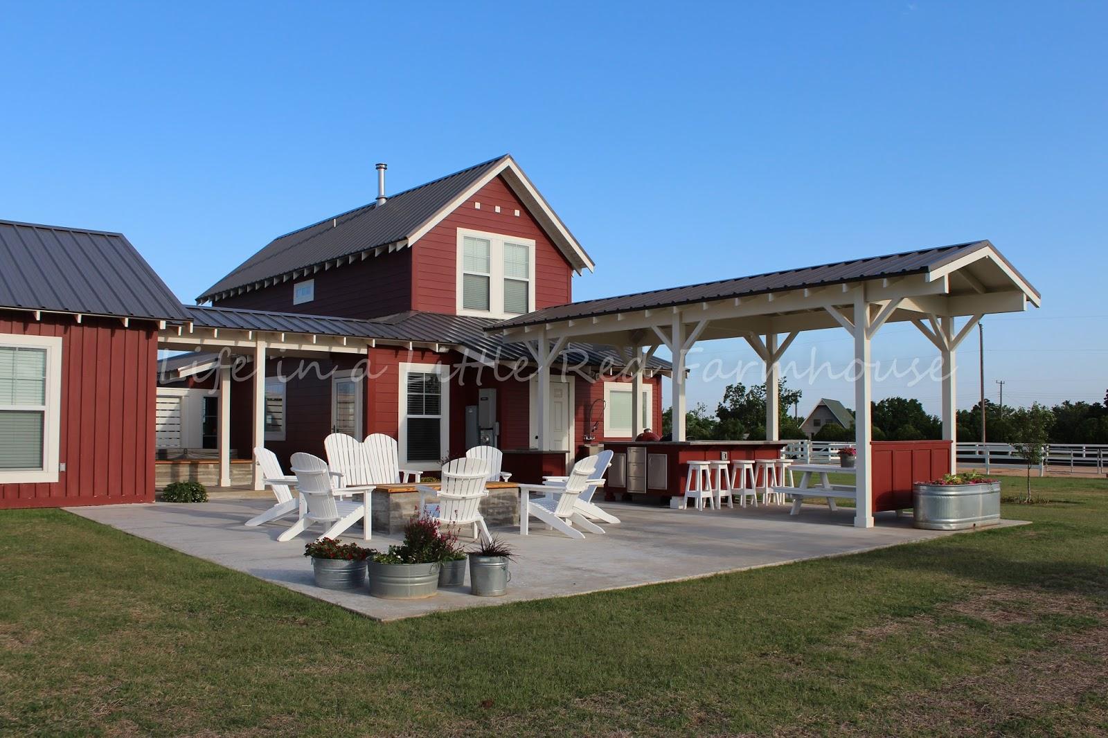 Farmhouse Outdoor Living